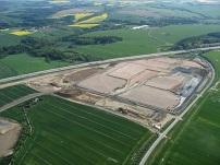 Die Geländeregulierung für das erste Baufeld ist fast fertig gestellt.