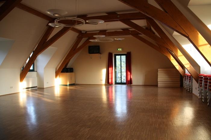 Arnsdorf Dorfgemeinschaftshaus großer Raum