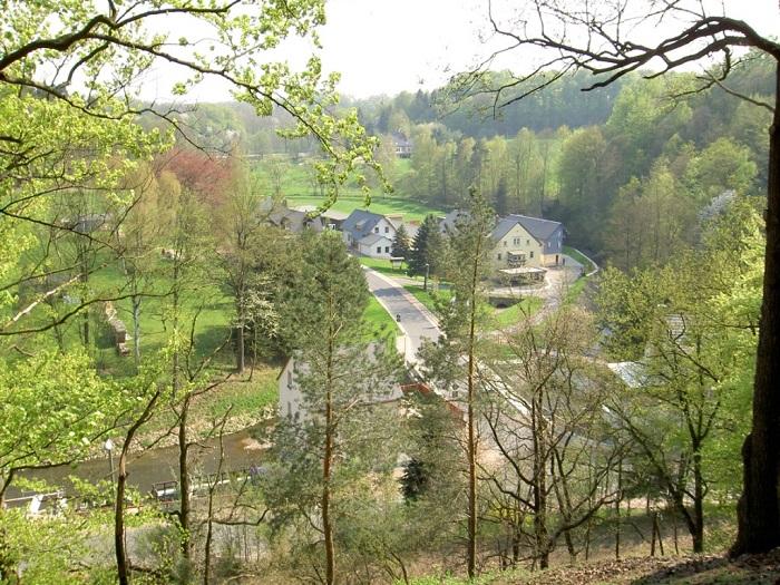 Blick vom Otterbergaussichtspunkt auf den Striegiszusammenfluss in Berbersdorf.