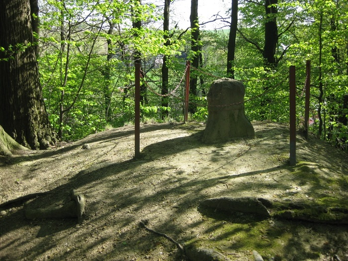 Ausflugsziel Hexentisch, oberhalb des Marbacher Rosentales