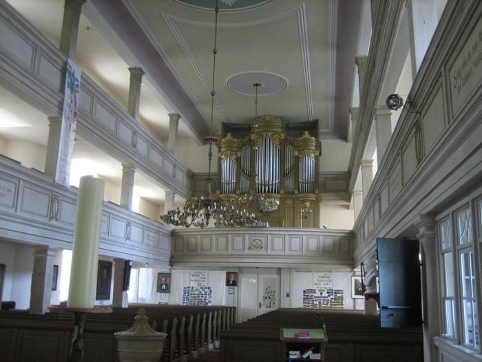Innenraum der St. Wenzelskirche in Pappendorf.