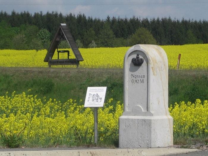 Auch mit kleinen Höhepunkten kann die Region für Besucher aufgewertet werden. Diese Aufnahme zeigt solche Punkte an der Zufahrt nach Gersdorf.