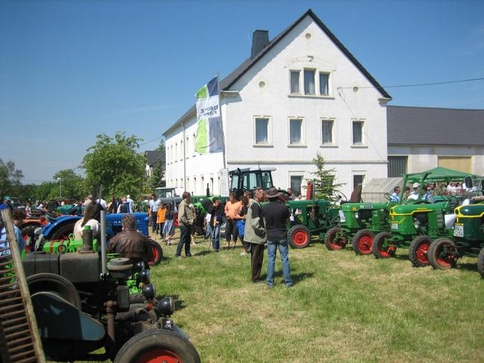Das jährliche Traktorentreffen ist weit über die Grenzen der Gemeinde bekannt und zieht viele Gäste und Interessierte nach Berbersdorf.